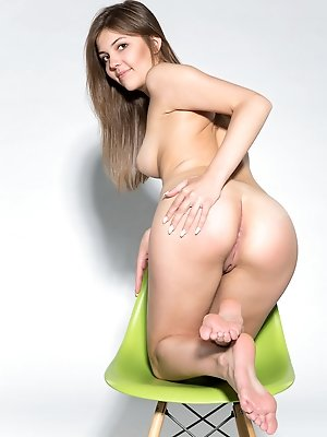 CASTING Monika